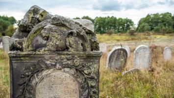 Jurajskie Szlaki Jesienne - jurajskie cmentarze