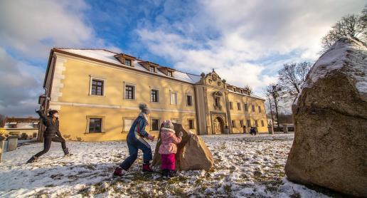 Zimowe Tarnowskie Góry - Park Repecki i zamek w Starych Tarnowicach - zdjęcie