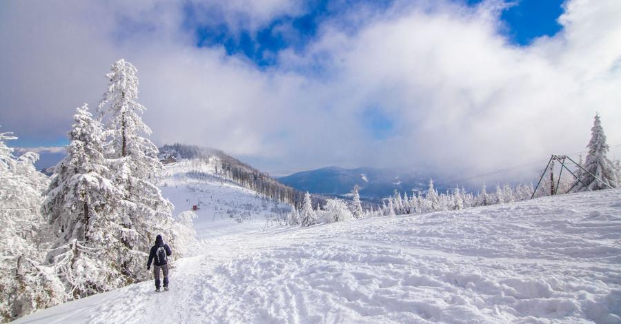Zimą niebieskim szlakiem ze Szczyrku na Klimczok - zdjęcie