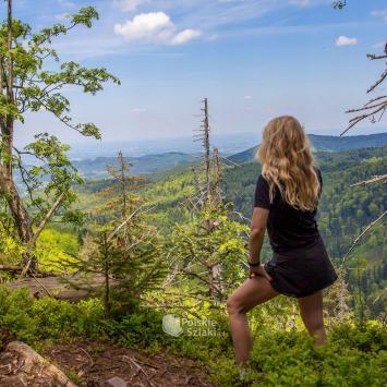 Grota Komonieckiego, Wodospad Dusica i Łamana Skała w Rezerwacie Madohora - atrakcje Beskidu Małego - zdjęcie