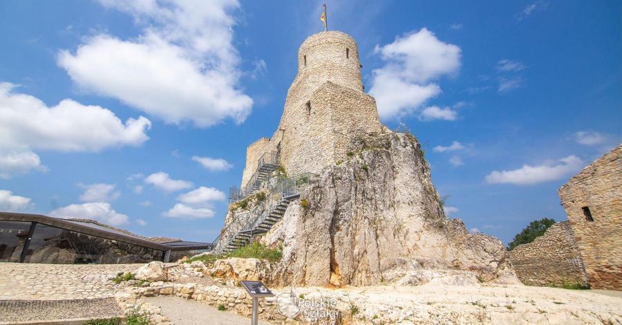 Zamek Rabsztyn z kawą na tarasie - zdjęcie